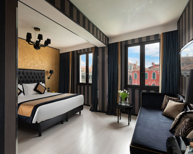 Junior Suite Canal View
